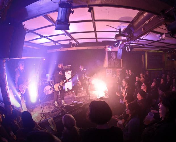 11. Dezember – Terrorgruppe Punk – Café Atlantik